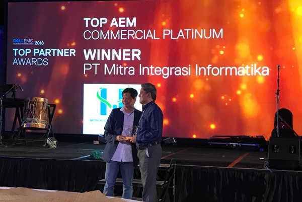 Award MII-Dell EMC Fiji-1
